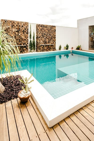 Swimming pool coping design ideas for your garden